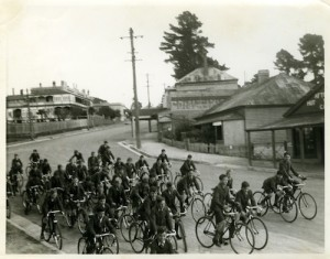 Children in the Blue Mountains during WW11
